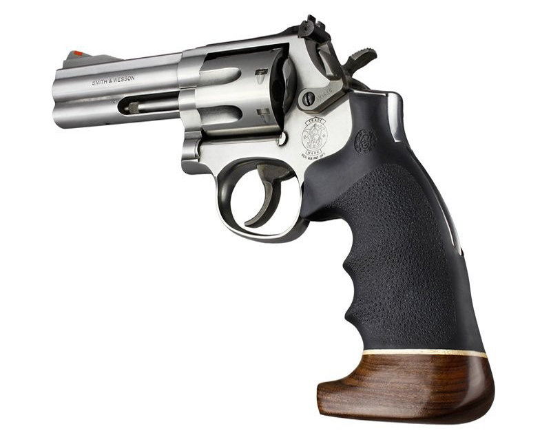 S&W K/L frame round butt conv with finger grooves wood/rubber 19006
