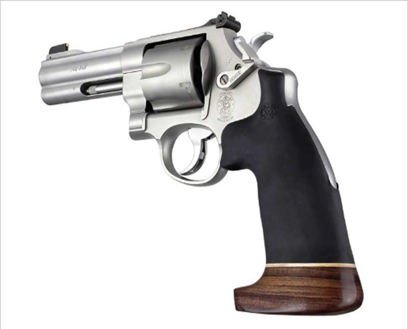 S&W N frame round butt conv. wood/rubber no finger grooves 25016